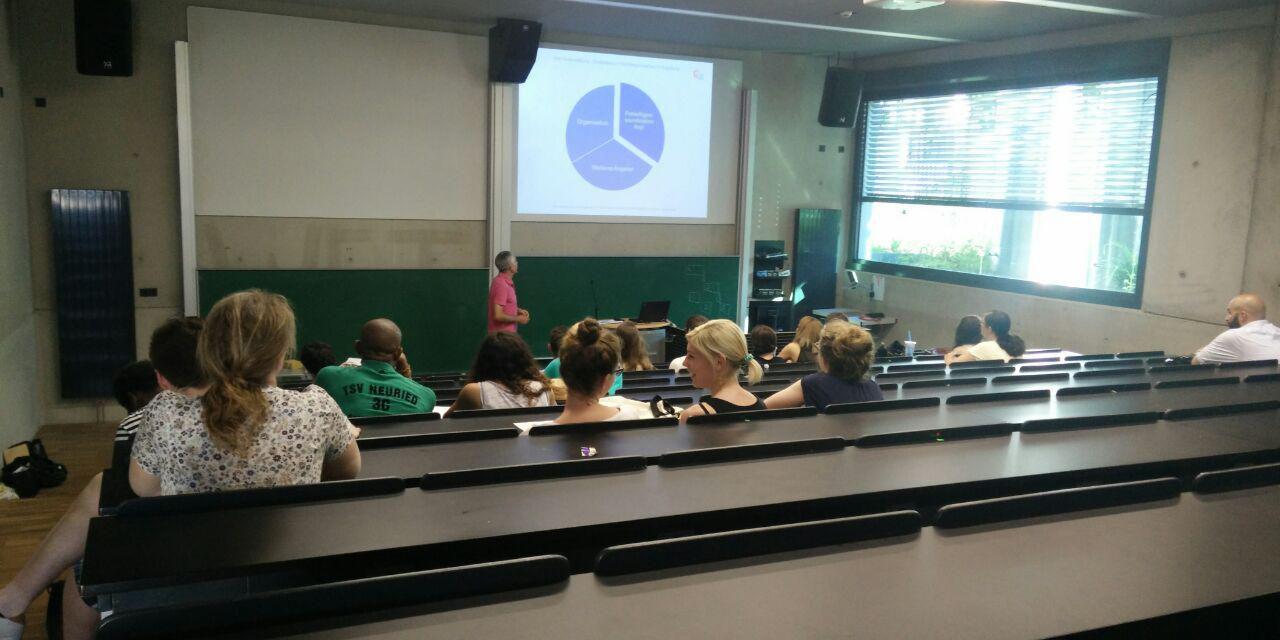 Infoabend für ehrenamtliches Engagement in der Hochschule Augsburg